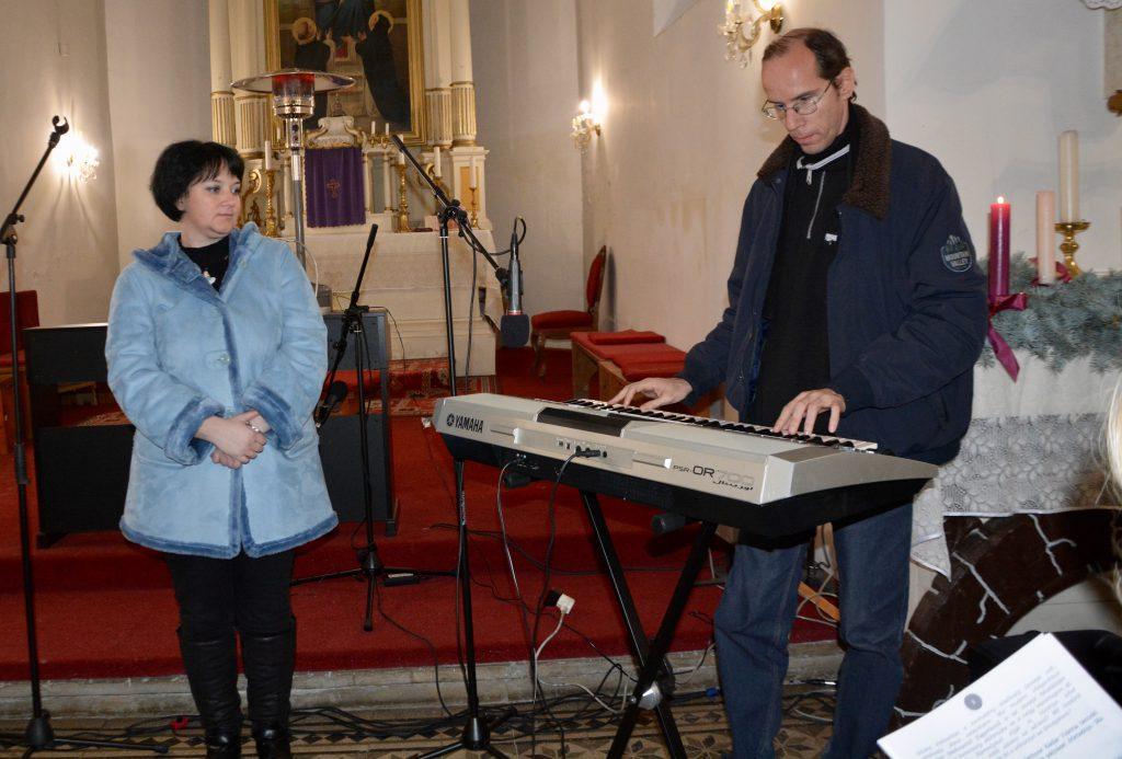 Szigeti Eszter énekes